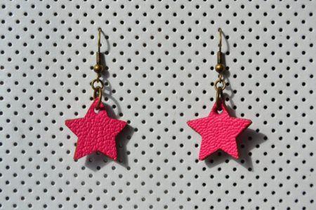 Boucles d'oreilles étoile en vachette grainée, doublées